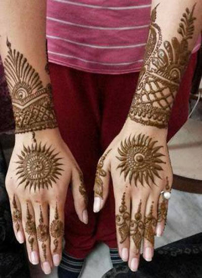 Simple Mehndi Designs for Hands 7