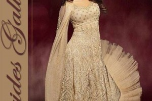 Priyanka Chopra Dresses Anarkali Suits 2015 for Women (2)