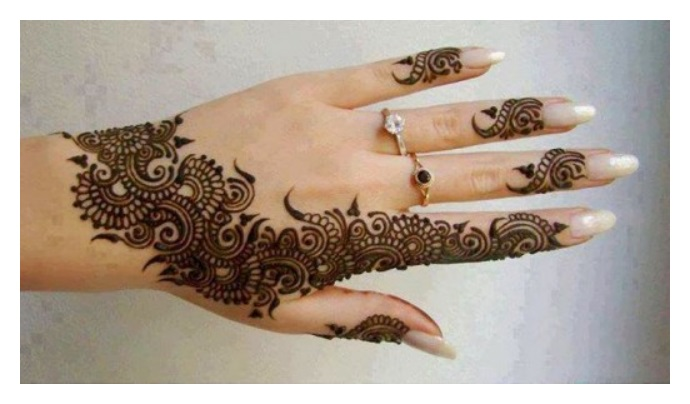 Dark shade MEHNDI DESIGNS FOR EID ul FITER