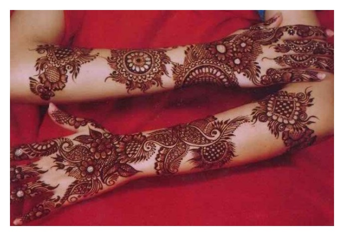 Woman wedding MEHNDI DESIGNS Pictures
