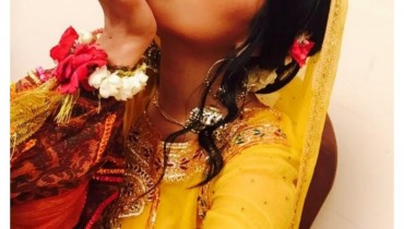 Pakistani Talented Actress Sanam Chaudhry Mehndi Pictures
