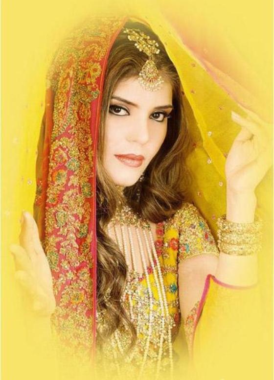 Mehndi Day Hairstyles : Pakistani bridal hairstyle dresses for mehndi day