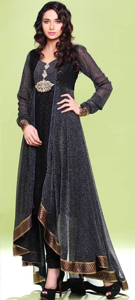 Stylish Pakistani Dresses For Girls and Women 2017