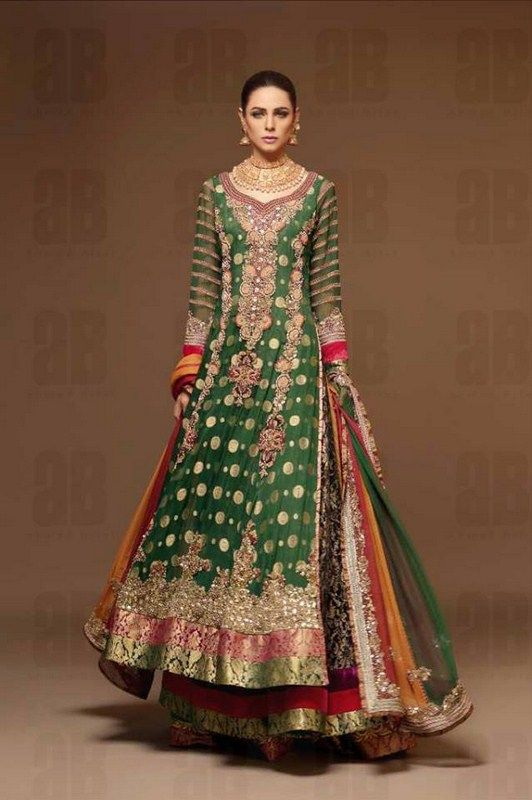 Stylish Pakistani Dresses For Girls And Women 2017