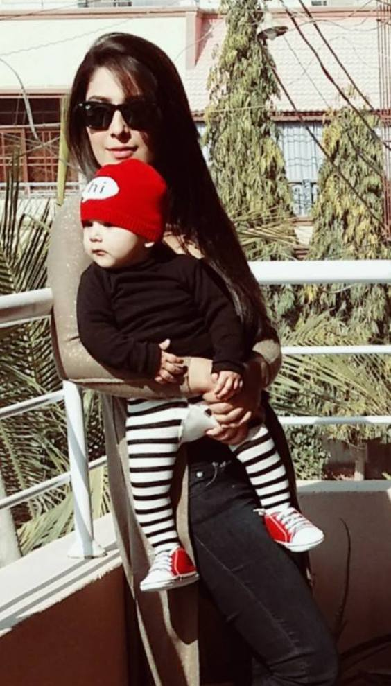 Ayeza Khan Best Moments With Her Daughter NewFashionElle
