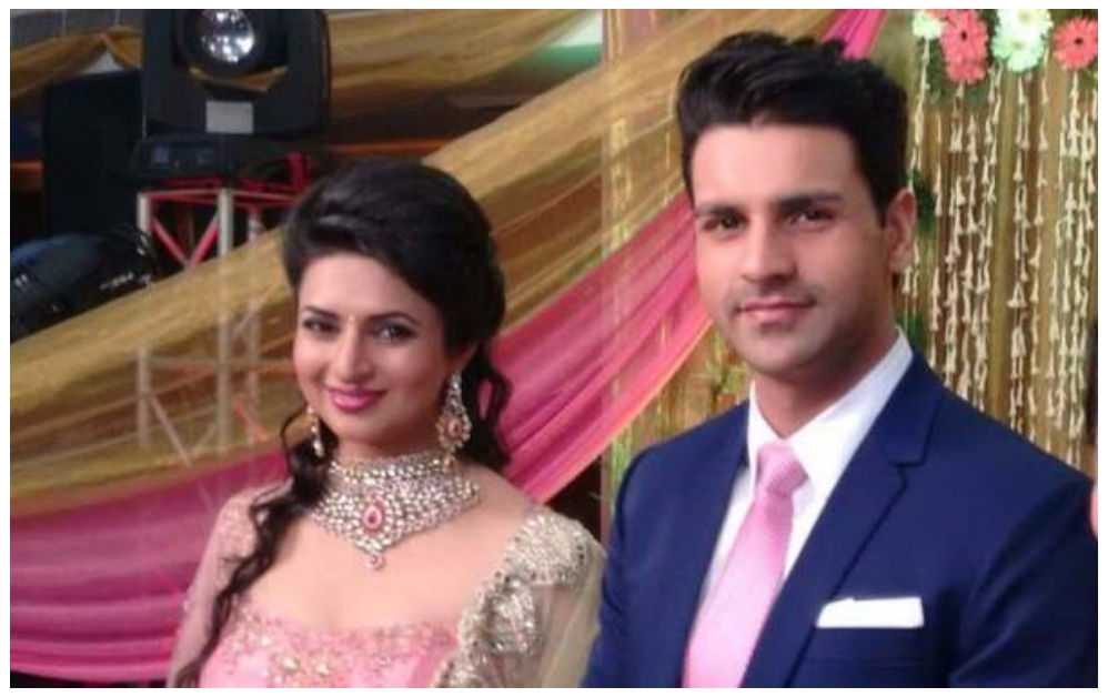 Divyanka Tripathi Mehndi Ceremony : Actress divyanka tripathi vivek dahiya engagement pictures