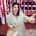 Morning show host Sanam Jung at her mehndi