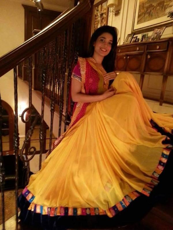 new Sanam Jung's Mehndi Pictures Wedding Barrat Pics