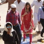 Mahira Khan & Shah Rukh Khan On The Sets Of Raees