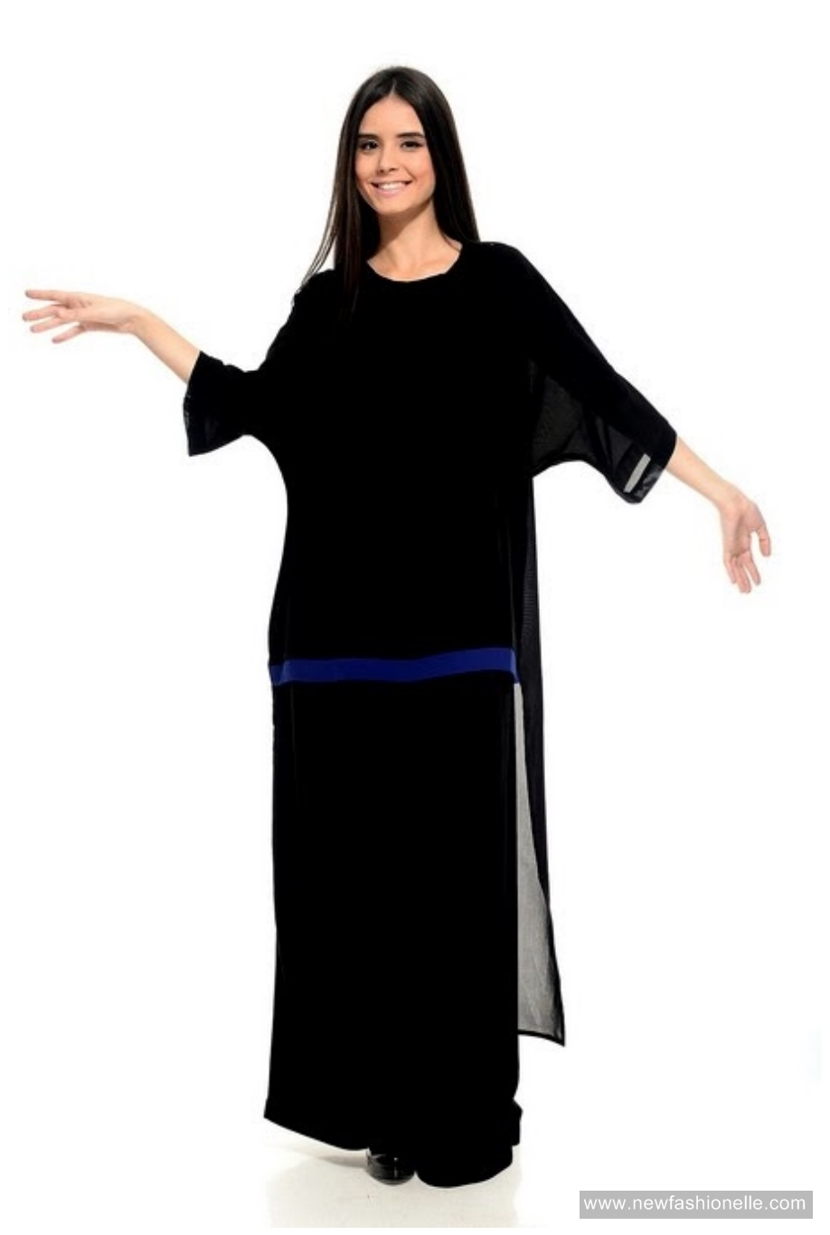 Simple Abaya Designs by La Reine