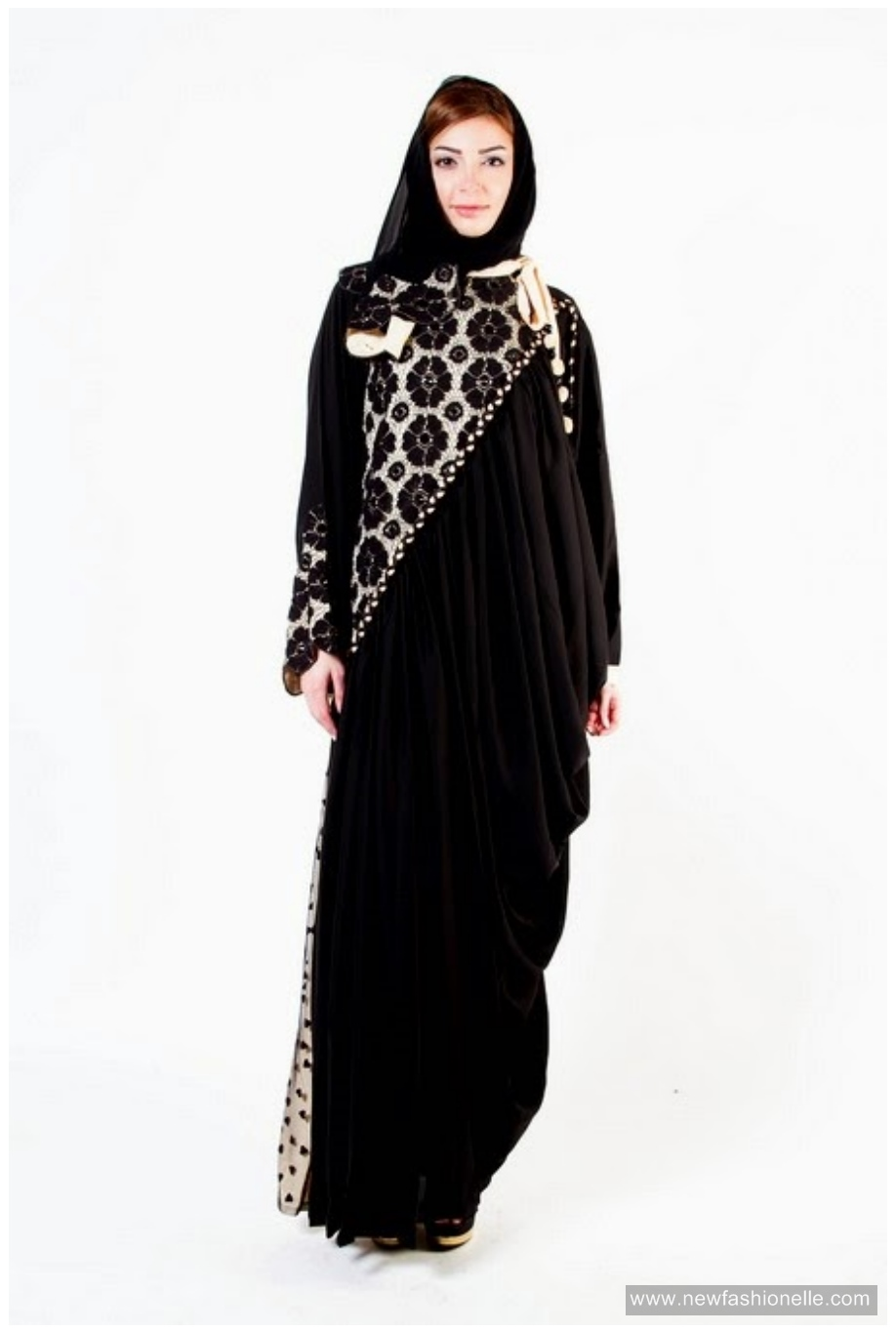 Stylish-la-reine-abaya-design
