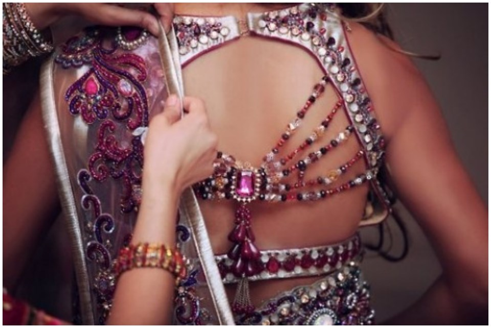 designer blouses for sarees online
