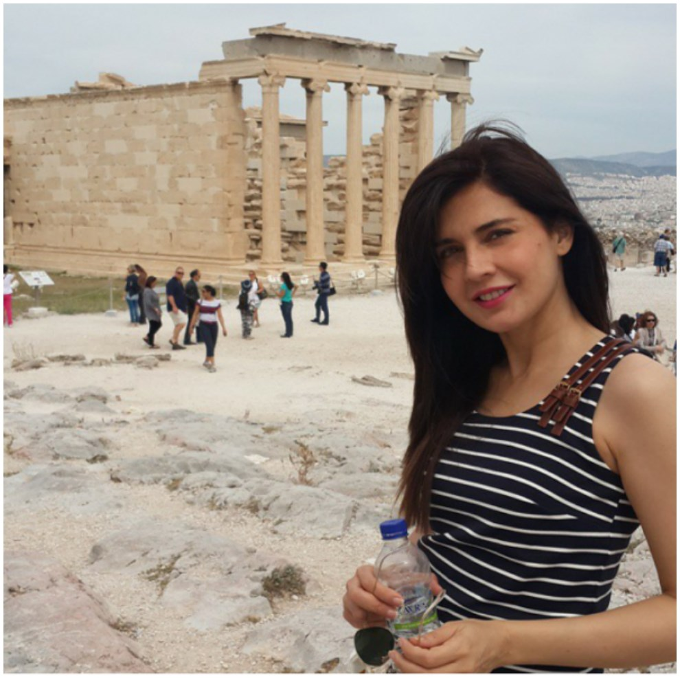 Mahnoor Baloch In Greece Enjoying Placees