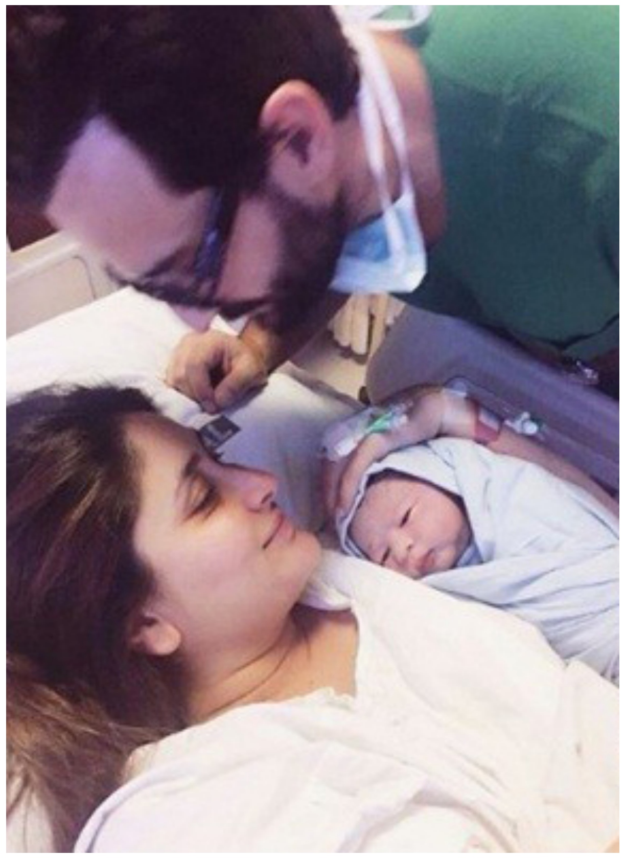 Kareena Kapoor & Saif Ali khan with son Taimoor