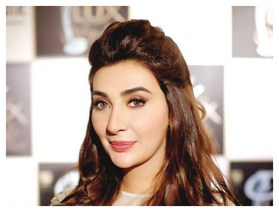 Ayesha Khan Latest images