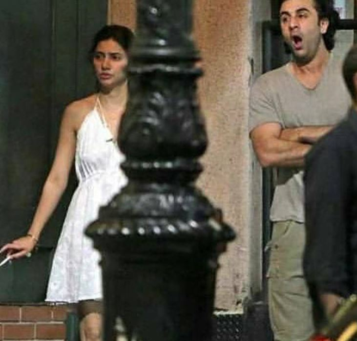 Mahira Khan with Ranbir Kapoor caught and snapped on the street of New York !