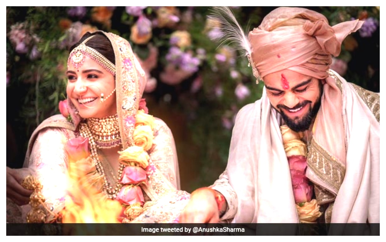 Anushka Sharma And Virat Kohli hands in for wedding