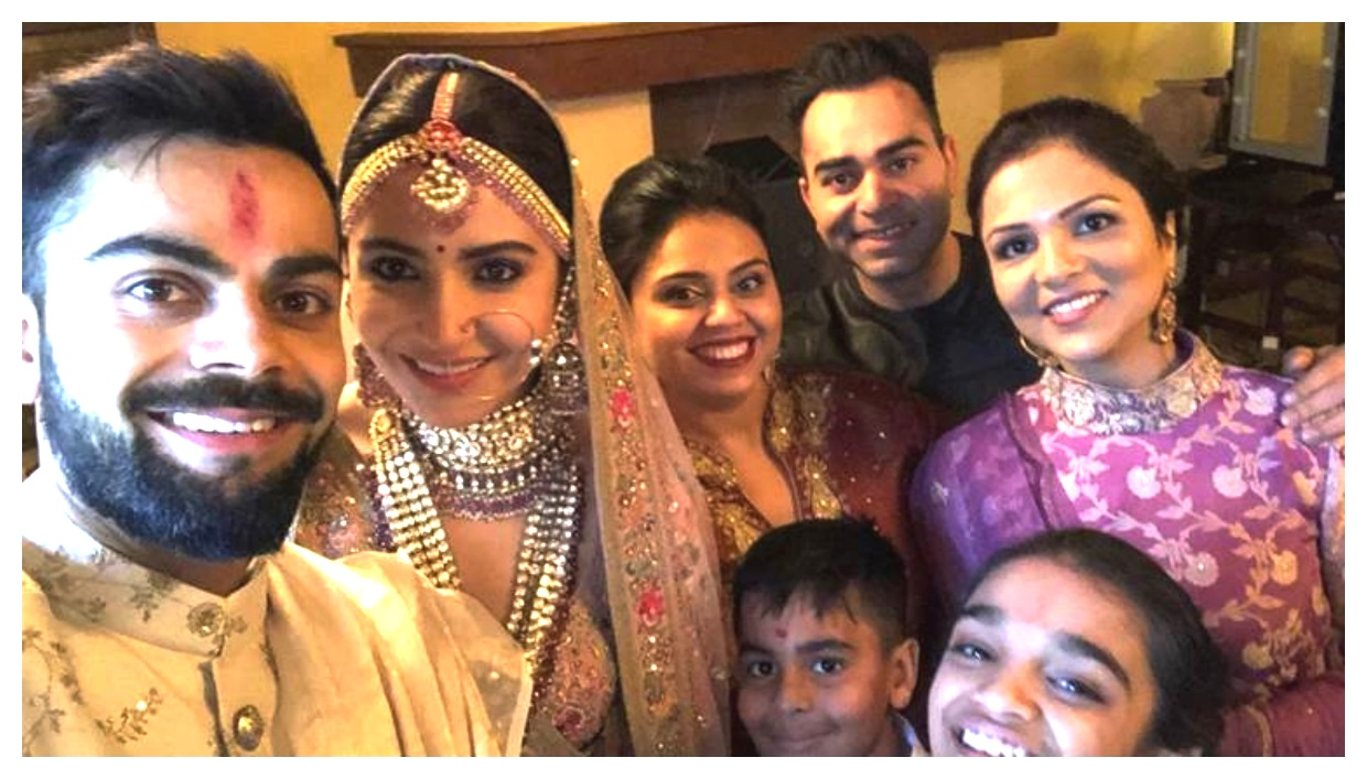 Anushka Sharma And Virat Kohli Indian wedding Photos
