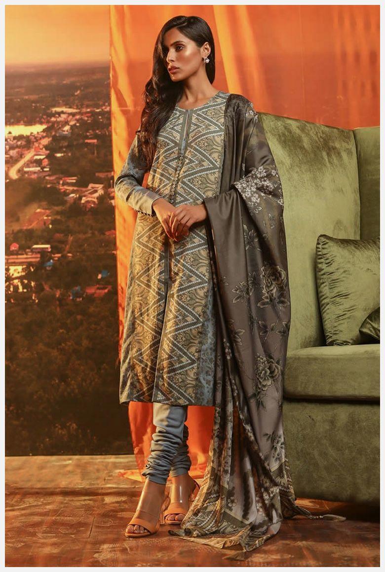 Online AlKaram Velvet Dresses 2021 buy